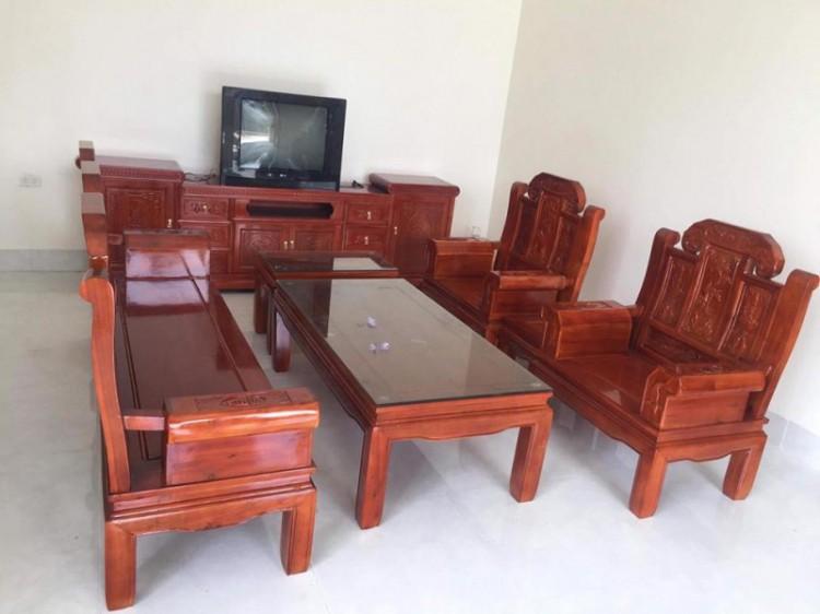 Bàn ghế gỗ phòng khách tại Mỹ Đức