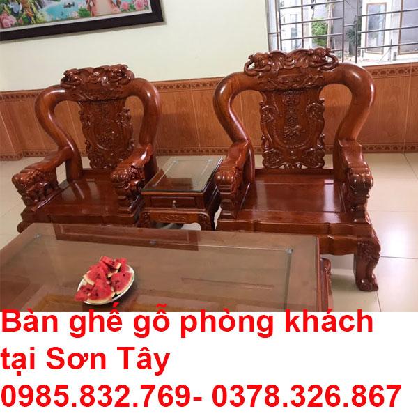 Bàn ghế gỗ phòng khách tại Sơn Tây